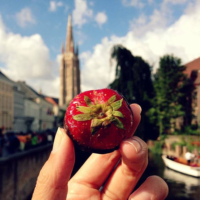 girl-eat-world-cioccolato-e-fragole-bruges