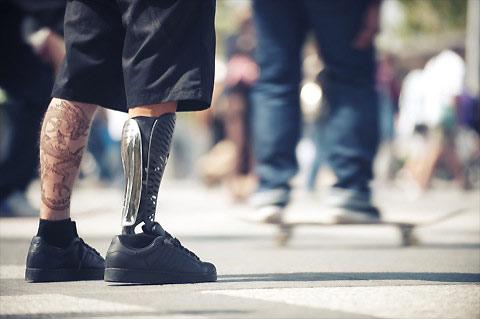 PINSO-CREATIVE-GRADUATES-MAGAZINE-Prosthetic-legs-4