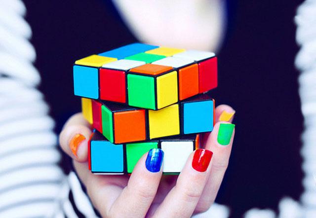 rubics-cube-manicure-nails1