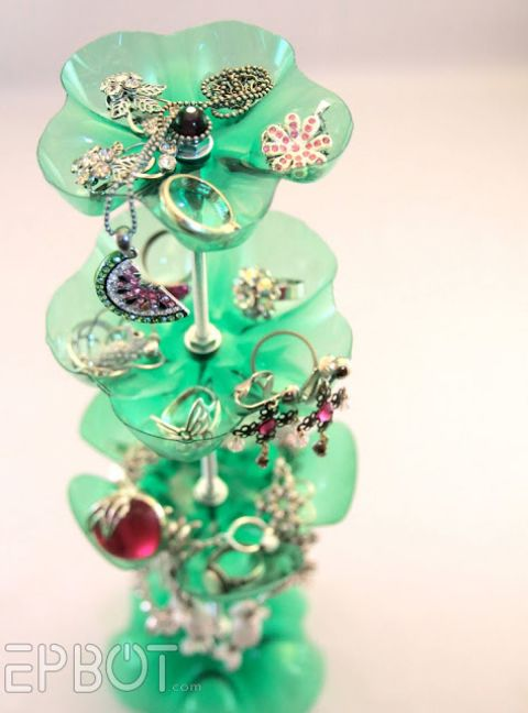 water-bottle-jewlery-stand