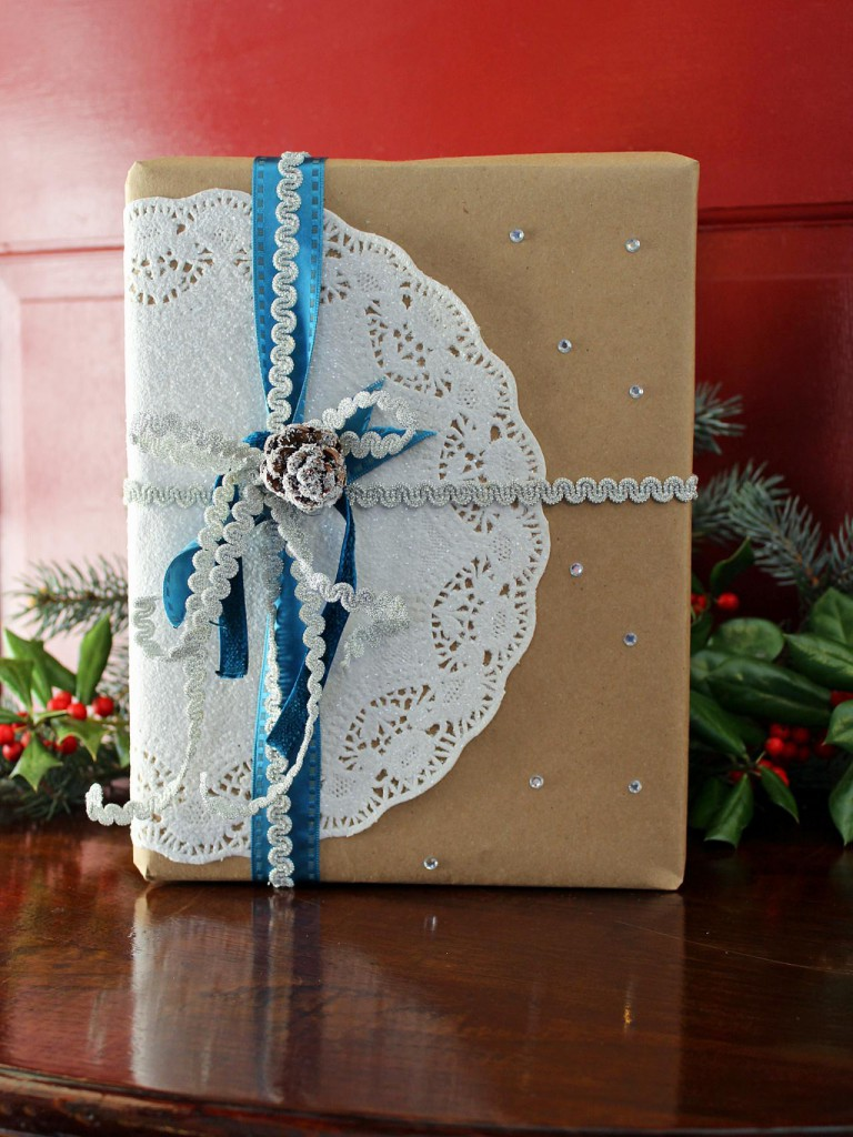 original_Camille-Smith-doily-gift-wrap1.jpg.rend.hgtvcom.1280.1707