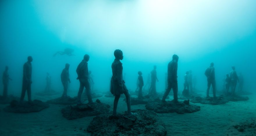 breathtaking-underwater-museum-turns-ocean-floor-into-art-gallery-and-doubles-as-artificial-ree-13__880