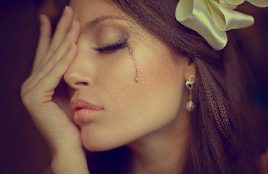 бог почему женщина плачет