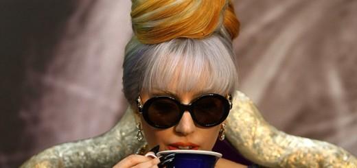 79600004_Ledi_Gaga_v_Indii_pet_chay