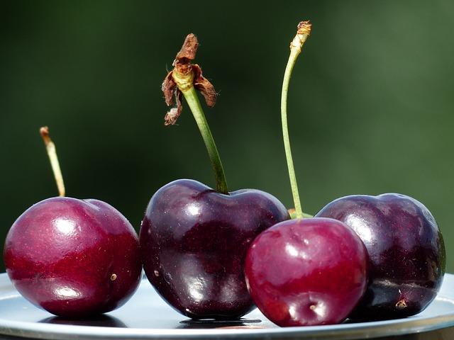 cherries-167807_640