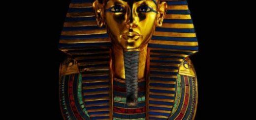В саркофаге из чистого золота весом почти 110 килограмм покоится мумия фараона. Фото: Кеннет Гарретт